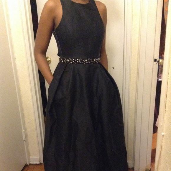 Monique Lhuillier Dresses | Black Gown | Poshmark